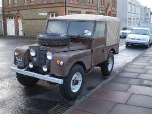 Parked_Land_Rover_Series_Land_Rover_00015220