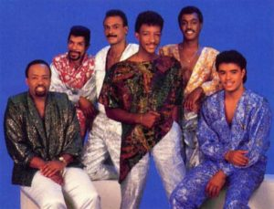 Kool and The Gang, cores e movimento